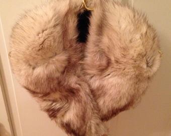 Luxurious Vintage Fur Collar