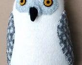 Snowy owl super-soft reclaimed wool pillow doll softie