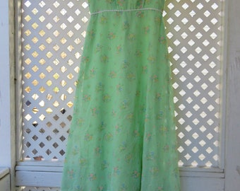 Beautiful Mint Green Bohemian Floral Maxi Dress with Empire Waist and Flutter Sleeves - Size 4