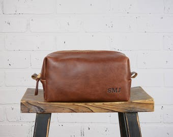Rugged Brown Distressed Leather Cosmetic Bag Leather Dopp Kit Wash bag Travel Diddy bag  with Monogram Gift for Wedding Grad Dad Husband- LG