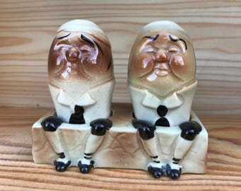 Vintage Humpty Dumpty Salt and Pepper Shakers on Base with Legs Anthropomorphic Ceramic Mid Century