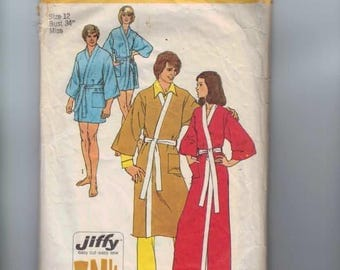 1970s Vintage Sewing Pattern Simplicity 5685 Misses Easy Jiffy Kimono Robe in Two Lengths Size Medium Bust 34 Size 12 1973 70s