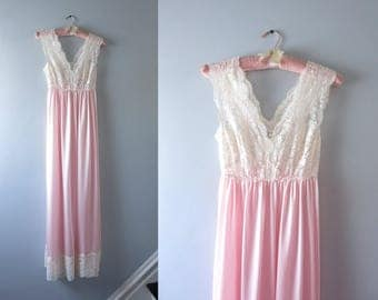 Vintage Pink Nightgown | 1970s Pale Pink & Ivory Lace Nightgown XS