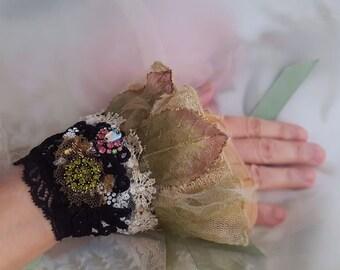 Fairytale lace bracelet cuff, Asymmetrical textile bracelet, metallic gold - Boho jewelry, fantasy jewelry forest fairy inspired cuff