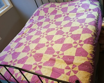 Vintage Quilt / Hand Tied / purple and white cotton quilt / antique / cutter quilt / lavender green