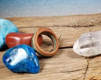 Mahogany & White Oak Wood Ring with Crushed Malachite and Turqoise Gemstone - Size 5 U.S.
