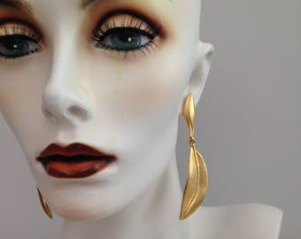 Gorgeous Show Stopper Earrings / Gold Vintage One Of A Kind / High Fashion High End Vintage / Fashion Week Earrings
