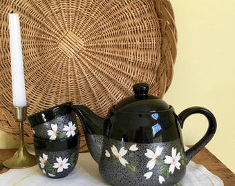Asian Style Tea Pot and Cups, Tea Set, Black with White Flowers, Oriental, Chinoiserie