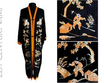 1920s Embroidered Silk Kimono. Housecoat. Robe. Asian Scenes and Figures. Flapper. Jazz Age. Art Deco. Lounging. Beach.