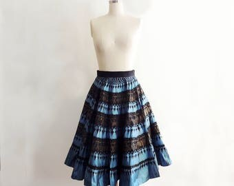 1950's Novelty Print Circle Skirt // Hand Painted Circle Skirt // Lavable Mexico Skirt // Tassel Print Skirt // 1950 Novelty Print // Size M