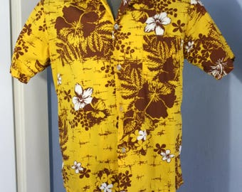 Vintage Mens 1950s 1960s Hawaiian Shirt by Pomare Hawaii Small Medium Tropical Flowers Tiki Luau Retro