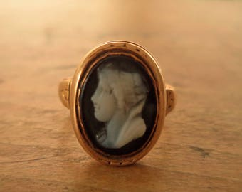 Antique 14K Rose Gold Hand Carved Cameo Ring Onyx Left Facing Female Cameo