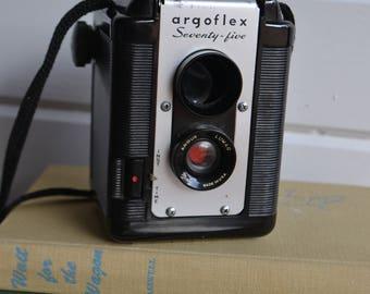Vintage Black Argus Argoflex 75 Photo Camera