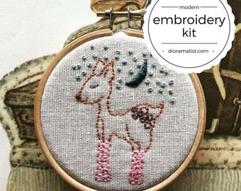 embroidery kit // Pinky Patrice - hand embroidery kit