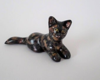 Miniature tortoise shell cat figurine, hand sculpted clay #165