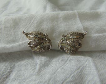 crown trifari crystal earrings alfred phillippe pave signed vintage clip ons crystal earrings baguettes