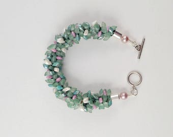 GREEN and PINK BEADED Handmade,  Kumihimo Bracelet with Pink Pearls