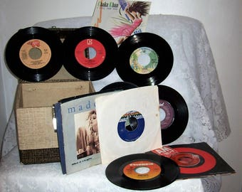 Vintage Decca Brown & Beige 45 RPM Record Case with 19 Assorted 45 Records All for 40 USD