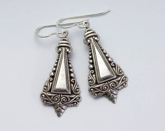 Antiqued Silver Earrings, Silver Filigree Drop Earrings, Filigree Dangle Earrings, Nickel Free Jewelry, Silver Metal Earrings Ornate, Esen