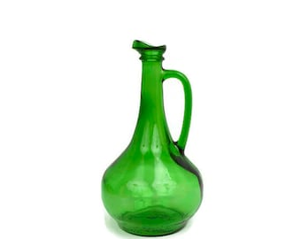 Vintage Emerald Green Glass Wine Jug Handled with Spout Water Pitcher 1.5 Liter Bottle WINE WORLD 1978 Pressed Glass Green Decanter Barware