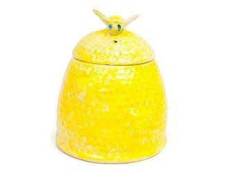 Vintage Yellow Beehive Honey Pot Lidded Sugar Bowl Jam Jar Ceramic Bumble Bee Arnels Pottery