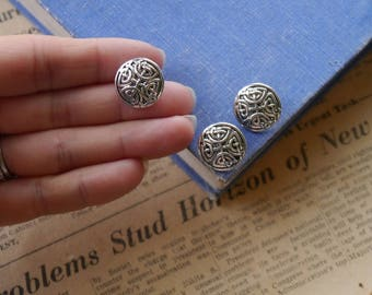 "8 pcs Celtic Knot Scroll Antiqued Silver Buttons 17mm 5/8"" (SB2939)"