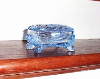 CAMBRIDGE CAPRICE RING Trinket or Cigarette Crystal Box Lid Cover Top Moonlight Blue 1930s Glass 4 Toed Footed Excellent Condition
