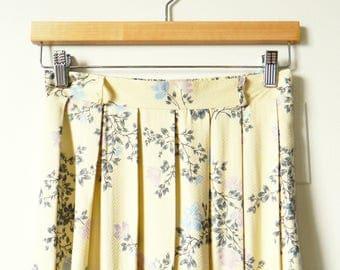 Vintage Buttercream Floral Skirt / Soft Pleated Floral Midi Skirt / Secret Garden Floral Boho Skirt / 26 to 30 Waist