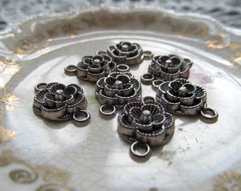 Silver Flower Connectors - Antique Silver Tone Flower Charms with Two Holes - Pack of 7 - 12mm - 18mm