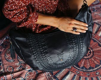 ELYSIAN COAST. Black leather bag / leather shoulder bag / leather crossbody purse / crossbody leather bag. Available in different colors