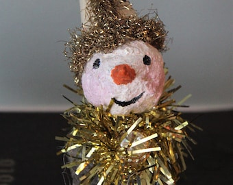 Freddo Snow: salt shaker snowman (snow person) with paper mache head, Christmas ornament, holiday decoration