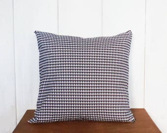 Cushion cover 40 x 40 cm black and white Triangles pattern