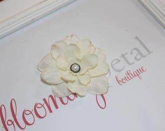 Ivory Vintage Flower Clip