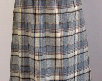 Pendleton Skirt - 70s Young Pendleton Label - Gray & Cream Plaid - Dirndl Style - Preppy Schoolgirl - Excellent Condition - Size Extra Small