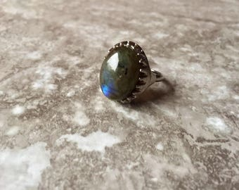 Raw Labradorite Oval Ring - Healing Stone - Crystal Jewelry