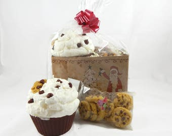 Jumbo Chocolate Chip Cookie Cupcake Candle & Wax Melt Gift Set