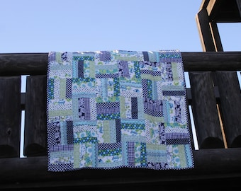 navy and green baby quilt