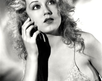 Fay Wray in a studio photo from the film King Kong , 1933