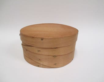 "Vintage Frye's Measure Mill Round Shaker Style Wooden Box, Old Time Wilton NH Handmade, Signed Sewing Trinket Keepsake Box, 5""  Diameter"