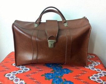 mid- centuries vintage faux-leather suitcase /travelbag 1970's luggage