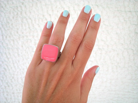 Pink statement ring, rose pink ring, silver tone pastel pink resin ring, modern minimalist jewelry, pink cocktail square ring, color block
