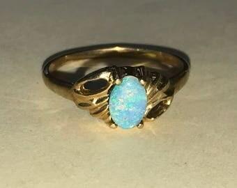 Vintage 14K Yellow Gold Opal Ring Size 5.75 GORGEOUS!!