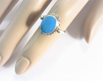 Vintage Sterling Turquoise Ring Petite Size 5.5