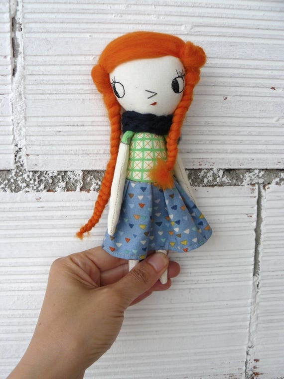 Tiny Art doll. Caty number 5. Embroidered and painted. Merino wool hair. Big eyes. 19 cm