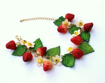 "Bracelet ""Wild Strawberries"""