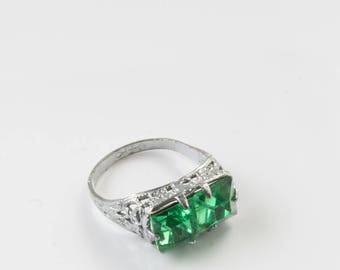 Vintage Green Ring - Green Crystal Silver Ring - Ring size 4