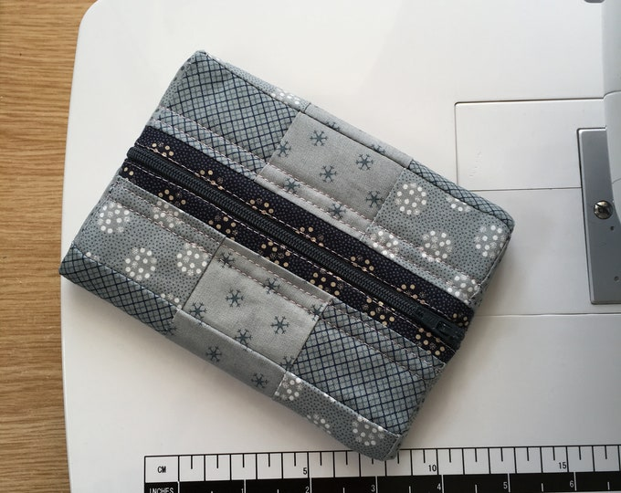 Large soft Jewellery travel case, perfect for chunky jewelry, small purse