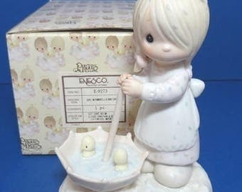 "Precious Moments ""Let Love Reign"" Figurine 1982"
