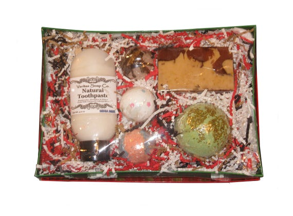 GIFT BOX - Natural Toothpaste, 3 Small Bath Bombs, 1 Large Bath Bomb & Soap Bar  - Holiday / Christmas / Gift for Her / Gift under 30 / Love