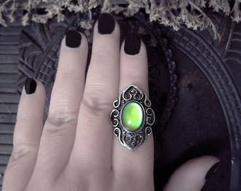 Vintage Mood Ring, Adjustable Ring, Antique Style Ring, Color Change Ring, Witch Ring, Gothic Ring